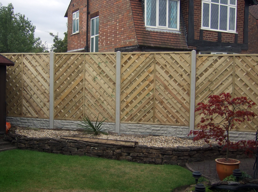 decorative wood fence contemporary landscape - Decorative Fencing